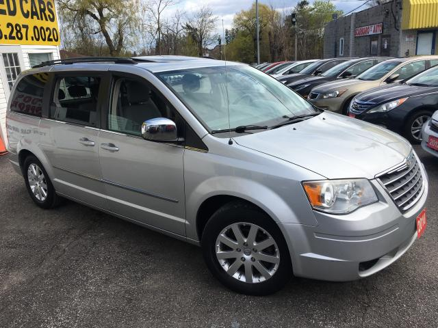 2010 Chrysler Town & Country TOURING/ SUNROOF/ DUAL DVD/ CAMERA/ ALLOYS & MORE!