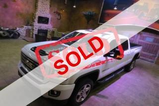 Used 2018 GMC Sierra 2500 HD SLT Crew Cab 4WD for sale in Winnipeg, MB