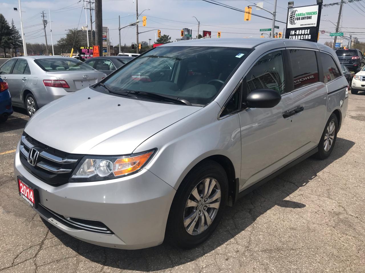 2014 Honda Odyssey SE l 8 Passenger l No Accidents l Low Km
