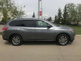 Used 2015 Nissan Pathfinder SV 4x4 Back Up Camera Heated Seats for sale in Red Deer, AB