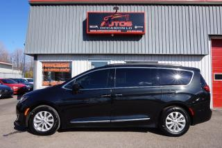 Used 2017 Chrysler Pacifica Touring L Cuir for sale in Lévis, QC