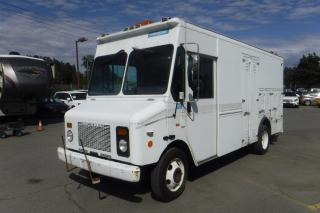 Used 2001 Workhorse P42 Grumman Olson 14 Foot Mobile Workshop Van 5 Passenger with Traffic Signals for sale in Burnaby, BC