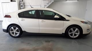 Used 2013 Chevrolet Volt Cuir Et Suede Perle for sale in St-Hyacinthe, QC