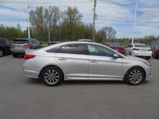 Used 2016 Hyundai Sonata GLS édition spéciale berline 2,4 L 4 por for sale in Joliette, QC