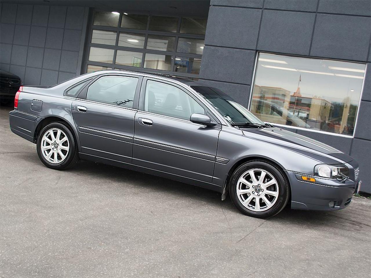 Photo of Dark Grey 2005 Volvo S80