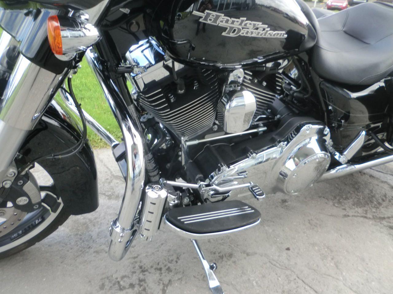 2014 Harley-Davidson FLHXS