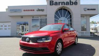 Used 2016 Volkswagen Jetta SIÈGES AVANTS CHAUFFANTS + CAMERA + BLUE for sale in Napierville, QC