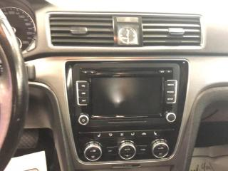 Used 2015 Volkswagen Passat 1.8 TSI COMFORTLINE AUT0 2 TONE LEATHER SUNROOF CAMERA for sale in North York, ON