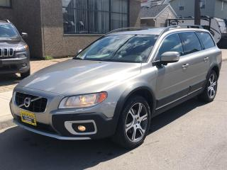 Used 2012 Volvo XC70 5dr Wgn T6 for sale in Hamilton, ON
