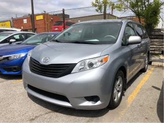 Used 2014 Toyota Sienna LE, clean carproof, great condition for sale in Toronto, ON