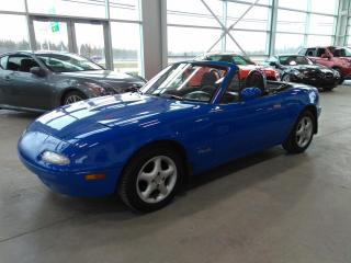 Used 1990 Mazda Miata MX-5 Coupe Convertible for sale in Lévis, QC