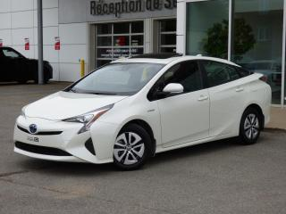 Used 2017 Toyota Prius GPS / toit ouvrant / tres bas km for sale in Trois-Rivières, QC