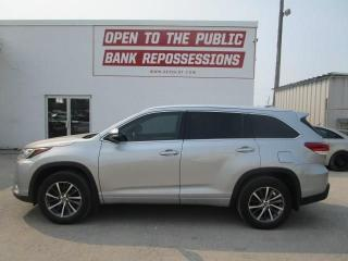 Used 2017 Toyota Highlander XLE for sale in Toronto, ON