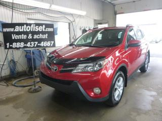 Used 2015 Toyota RAV4 LE AWD for sale in St-Raymond, QC