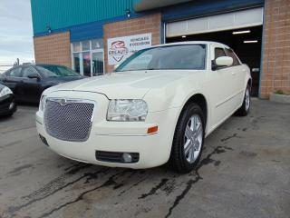 Used 2005 Chrysler 300 Berline 4 portes 300 à traction intégral for sale in St-Eustache, QC