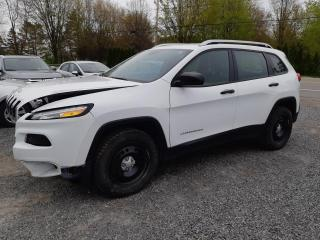 Used 2016 Jeep Cherokee 4 RM, 4 portes, Sport for sale in St-Pierre-Les-Becquets, QC