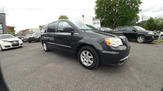 Used 2011 Chrysler Town & Country TOURISME - NAVIGATION for sale in Beloeil, QC
