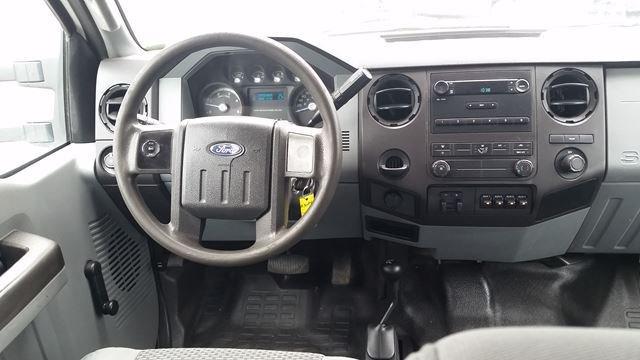 2012 Ford Super Duty F-550