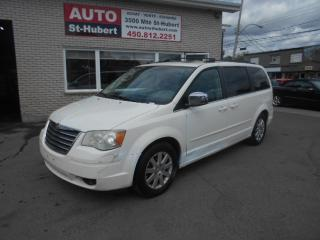 Used 2008 Chrysler Town & Country for sale in St-Hubert, QC