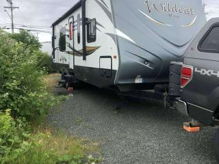 Used 2016 Ford F-350 Super Duty SRW Wildcat Max 28' RKX Double Slide for sale in Campbell River, BC