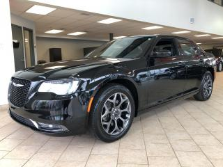 Used 2018 Chrysler 300 S AWD Cuir Toit pano GPS for sale in Pointe-Aux-Trembles, QC