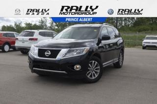 Used 2013 Nissan Pathfinder SL for sale in Prince Albert, SK
