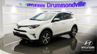 Used 2016 Toyota RAV4 XLE + GARANTIE + AWD + TOIT + CAMÉRA + W for sale in Drummondville, QC