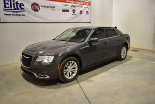 Used 2016 Chrysler 300 Touring+toit for sale in Sherbrooke, QC