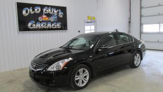 Used 2012 Nissan Altima V6, leather, sunroof, camera for sale in Chatsworth, ON