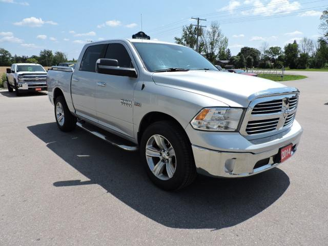 2014 RAM 1500 SLT. Hemi. Crew. 4X4. New tires.