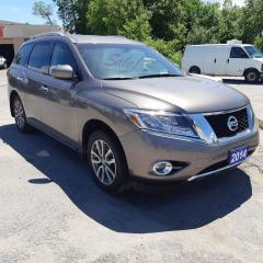Used 2014 Nissan Pathfinder SV for sale in Orillia, ON