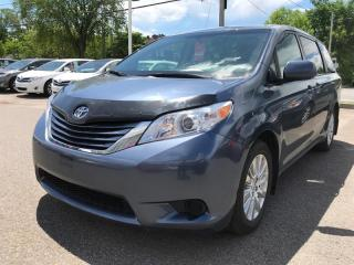 Used 2015 Toyota Sienna LE AWD for sale in Québec, QC