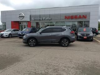 Used 2017 Nissan Rogue SL Platinum AWD for sale in Smiths Falls, ON