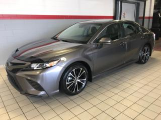 Used 2019 Toyota Camry SE for sale in Terrebonne, QC
