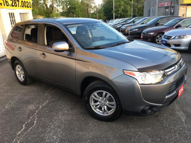 2014 Mitsubishi Outlander ES/ AUTO/ BLUETOOTH/ PWR GROUP/ ALLOYS!