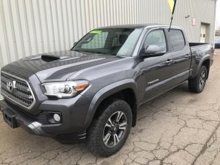 Used 2016 Toyota Tacoma TRD SR5 V6 4X4 DOUBLE CAB - ALLOYS, SUNROOF, BACKUP CAMERA! for sale in Charlottetown, PE