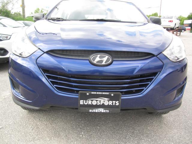 2013 Hyundai Tucson clothes