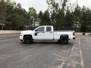 Used 2018 CHEV SILVERADO 1500 CUSTOM DBL CAB 4X4 for sale in Cayuga, ON