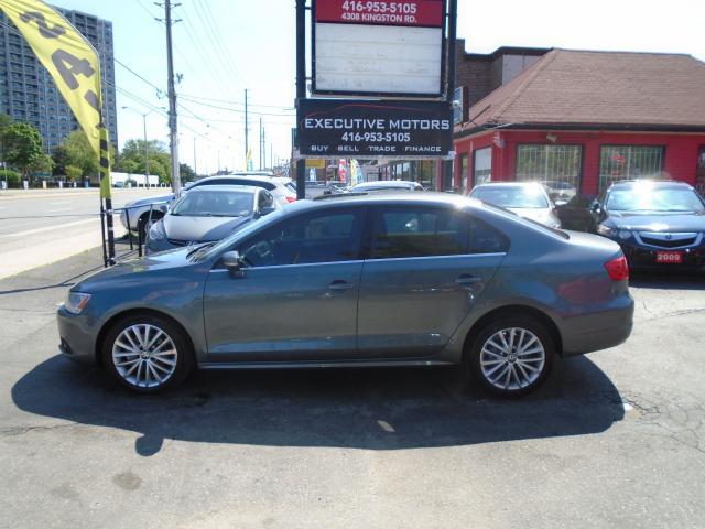 2011 Volkswagen Jetta HIGHLINE / DIESEL / LOADED / FUEL SAVER / MINT /
