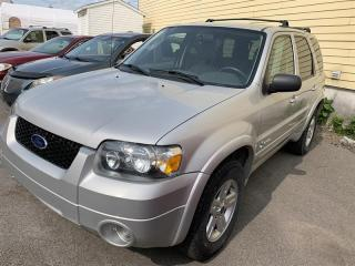 Used 2005 Ford Escape Hybride 4 cylindres 4x4 Hybrid for sale in Pointe-Aux-Trembles, QC