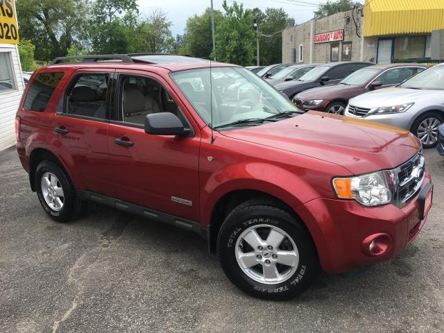 2008 Ford Escape XLT/ AUTO/ LEATHER/ SUNROOF/ ALLOYS/ FULLY LOADED!