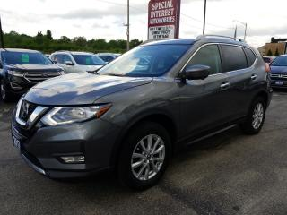 Used 2017 Nissan Rogue SV NAVIGATION !!  SUNROOF !!  AWD !! for sale in Cambridge, ON