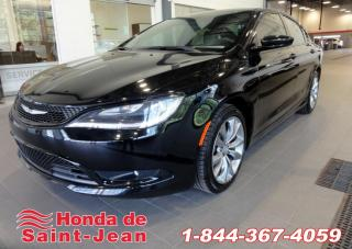 Used 2015 Chrysler 200 Berline traction avant S Toit Pano Mags for sale in St-Jean-Sur-Richelieu, QC