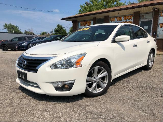 2014 Nissan Altima 2.5 SV | Navigation | Sunroof | Htd Seats| Alloys