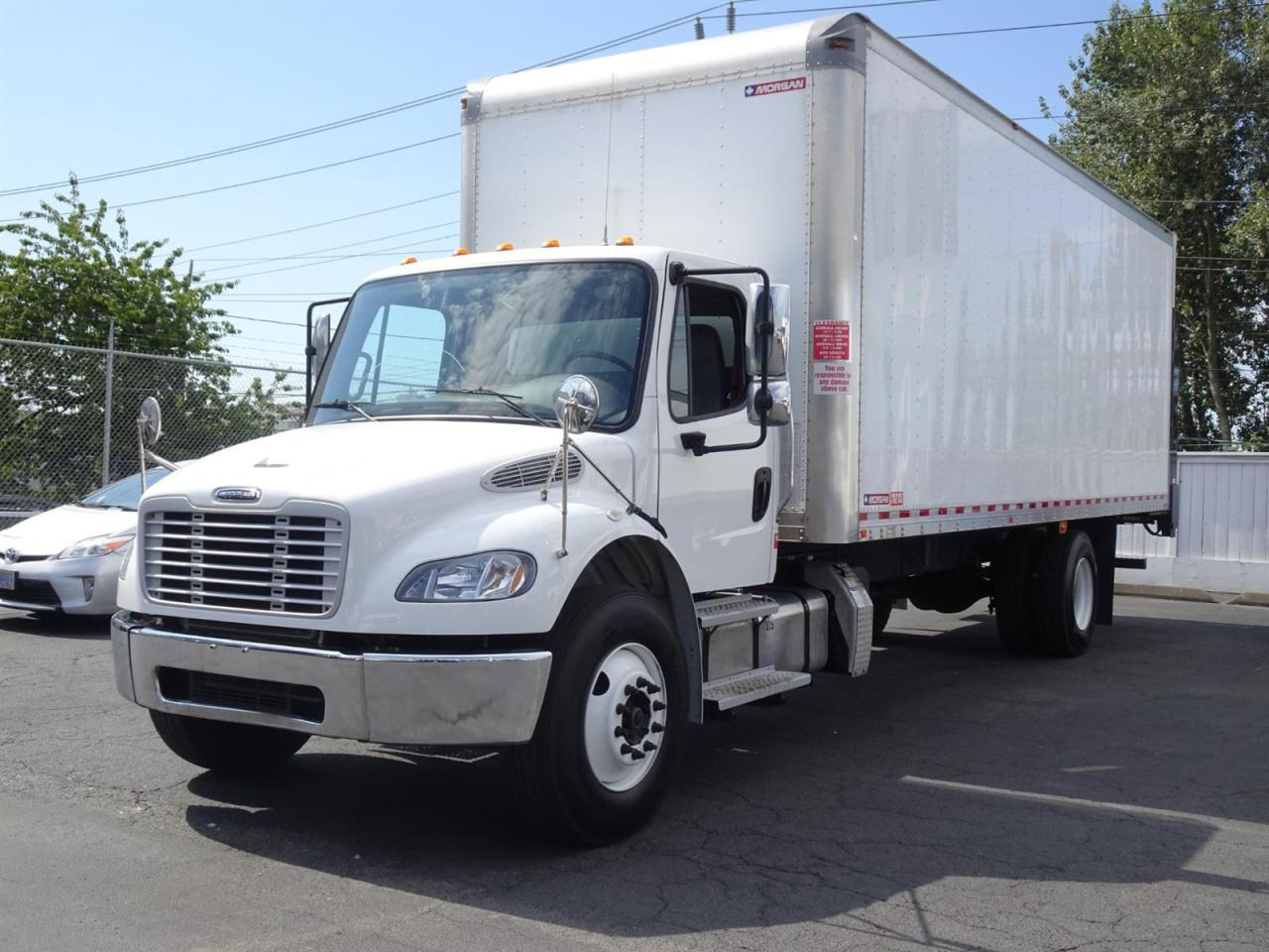 Used 2017 Freightliner M2 Heavy Duty, 26' Box, Power