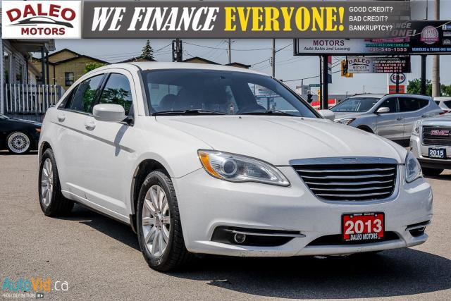 2013 Chrysler 200 TOURING / LEATHER / HEATED SEATS / AUX