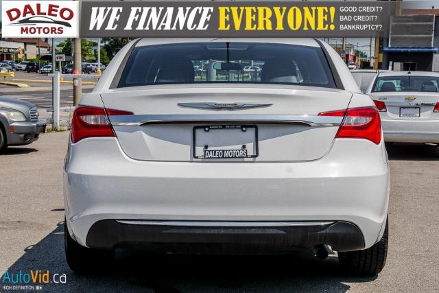 2013 Chrysler 200 TOURING / LEATHER / HEATED SEATS / AUX Photo8