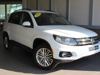 Used 2015 Volkswagen Tiguan SE, 4MOTION, CAMERA DE RECUL, TOIT PANO, BLUETOOTH for sale in Lasalle, QC