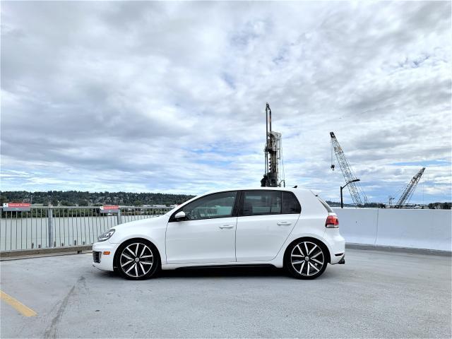 2011 Volkswagen GTI TECH + LUXURY PKG - ONLY 66K