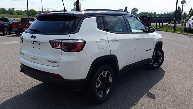 2018 Jeep Compass | DriveTown Ottawa